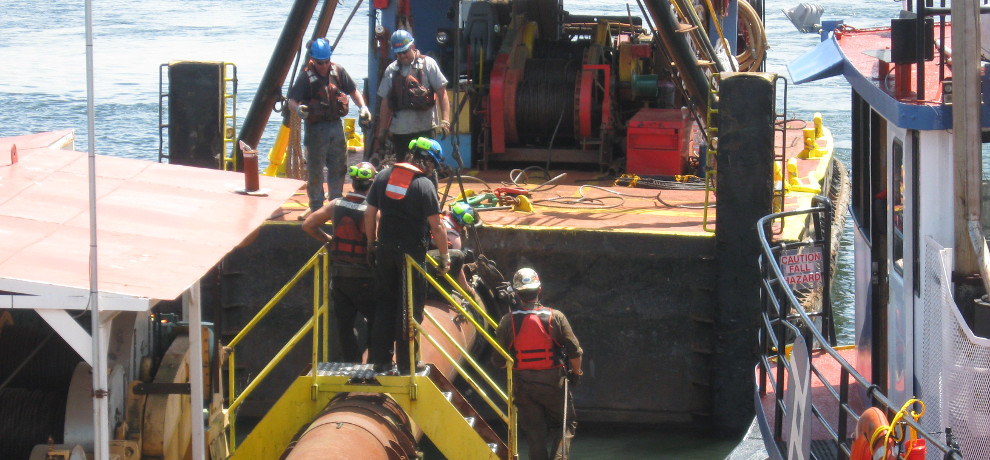 Dredge Oregon Crew