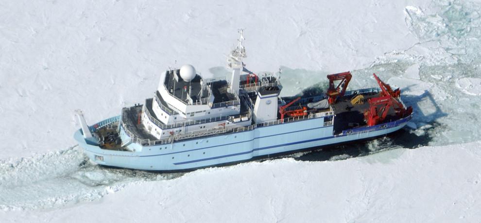 Sikuliaq breaking ice during sea trials